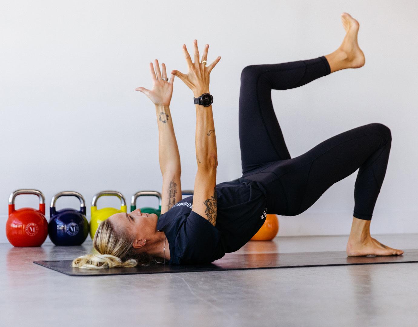 trainer-lauren-stretching